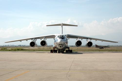05a-il-76-en-la-base-aerea-el-libertador-durante-el-proceso-de-evaluacion.jpg